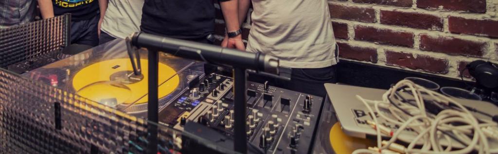 DJ booth2